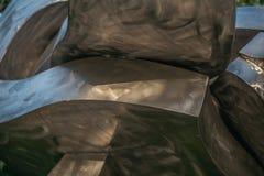 Abstrakt metallformdesign Stålarkitektur stålbakgrund industriellt tema Skendekor Royaltyfria Bilder