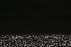 Abstrakt minimalistic svart gjorde randig bakgrund med horisontallinjer och titelraden kopiera avstånd Royaltyfria Foton