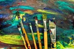 Abstrakt modell med mångfärgade olje- målningar med borstetextur Royaltyfri Bild