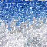 Abstrakt mozaiki płytek tekstury marmurowy plastikowy kamienisty tło z białym grout - niebieskie niebo nad szarym halnym koloru l Fotografia Royalty Free