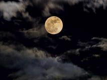 Abstrakt natthimmel med fullmånen för halloween bakgrund Royaltyfri Fotografi