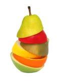Abstrakt päron som komponeras från stycken av isolerade olika frukter ( Royaltyfria Foton