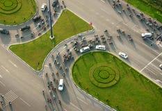 Abstrakt plats av trafik på tvärgatan Royaltyfria Foton
