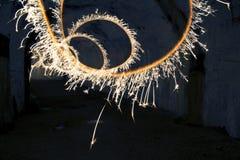 Abstrakt rörelse för bengal ljus i långt exponeringsskott Royaltyfria Bilder
