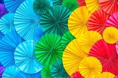 Abstrakt regnbåge som är färgrik av pappers- bakgrund Royaltyfria Bilder