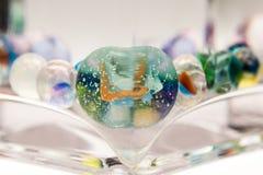 Abstrakt sammansättning med glass marmor Royaltyfri Foto