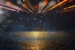 abstrakt signalljuslins begreppsbild av utrymme- eller tidloppbakgrund över mörka färger och ljusa ljus Royaltyfria Foton