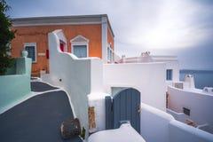 Abstrakt sikt av den cycladic stilen av traditionella hus på Santorini Fotografering för Bildbyråer