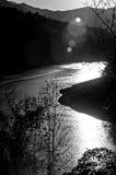 Abstrakt sikt med solreflectin av sjön fontana Fotografering för Bildbyråer