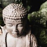 Abstrakt slut upp av Buddhahuvudet arkivfoto