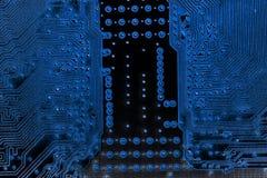 Abstrakt slut upp av elektroniska strömkretsar i teknologi på Mainboard datorbakgrund Royaltyfri Fotografi