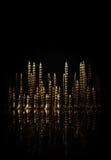 Abstrakt stad av skruvar på svart bakgrund Royaltyfria Foton