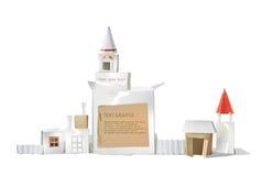 Abstrakt stad som göras av papperskuber med utrymme för text Royaltyfri Fotografi