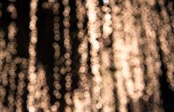 Abstrakt suddig bokehbakgrund som är utomhus- på natten Royaltyfria Foton