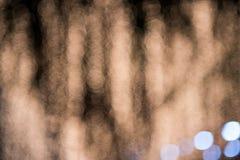 Abstrakt suddig bokehbakgrund som är utomhus- på natten Arkivbilder