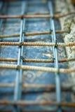 Abstrakt tappning av stålarbete för förstärkningbetonggolv Royaltyfri Bild