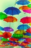 Abstrakt tappning för färgrika paraplyer Royaltyfria Foton
