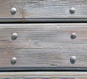 abstrakt textur av en brun antik trägammal dörr i Italien e Royaltyfri Foto