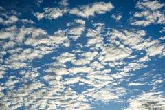 Abstrakt textur av moln och himmel Fotografering för Bildbyråer