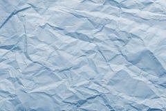 Abstrakt textur från blått krossat papper Arkivbilder