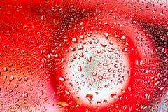 abstrakt textur Vattendroppar på exponeringsglas med bilbakgrund Fotografering för Bildbyråer