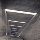 Abstrakt tom bakgrund för inre för mörkerbetongtunnel Royaltyfri Bild