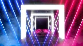 Abstrakt tom tunnel, korridor, exponerad av neonljus, r?k arkivbilder