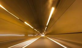 Abstrakt tunnel för hastighetsrörelsehuvudväg Arkivbilder