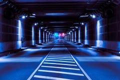 Abstrakt tunnel med blått ljus Arkivbild