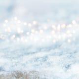 Abstrakt vinterbakgrund med snö Arkivfoton