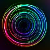 Abstrakta färgrika glödcirklar på mörk bakgrund Arkivbilder