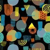 Abstrakta former på sömlös vektormodell för svart bakgrund Trianglar cirklar, rektanglar, halva cirklar orange, gult och blått royaltyfri illustrationer