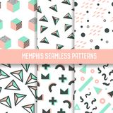 Abstrakta Memphis Style Seamless Pattern Set Hipsterbakgrunder med geometriska beståndsdelar Arkivfoto
