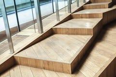 Abstrakta pusty wnętrze, drewniani schodki, szkło Obraz Stock
