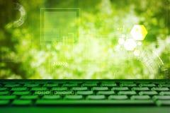 Abstrakta zielonego eco technolgy biznesowy pojęcie z klawiaturą Zdjęcia Royalty Free