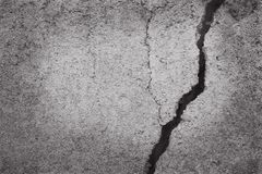 Abstrakte alte grungy Beschaffenheit, gebrochene Betonmauer bedeckt mit Stockbild