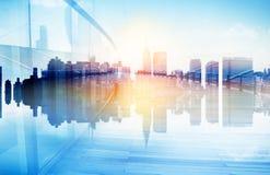Abstrakte Ansicht der städtischen Szene und der Wolkenkratzer Lizenzfreies Stockfoto