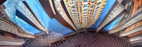Abstrakte Ansichten eines modernen Wohngebäudes Lizenzfreies Stockbild