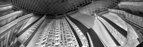 Abstrakte Ansichten eines modernen Wohngebäudes Lizenzfreie Stockbilder