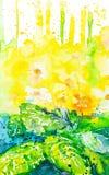 Abstrakte Aquarellillustration mit Farbenflecken von schönen Primelblumen und von großen grünen Blättern im Vordergrund lizenzfreie abbildung