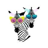 Abstrakte Aquarellmuster zwei lustige gestreifte Zebramädchen-Mannsonnenbrille Stockfotos