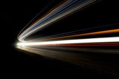Abstrakte Autolichtspuren Stockbild