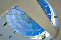 Abstrakte blaue geometrische Decke Lizenzfreies Stockbild