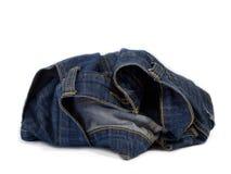 Abstrakte Blue Jeans auf weißem Hintergrund Stockbilder