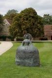 Abstrakte Bronzestatue Stockfoto