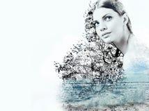 Abstrakte Doppelbelichtung der Frau und der Wellen des Ozeans Lizenzfreies Stockfoto