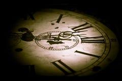Abstrakte dunkle Uhr Stockbild