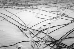 Abstrakte Eis-Schnee-Muster im Winter in Schwarzweiss Lizenzfreies Stockbild