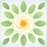 Abstrakte gelbe Blume mit grünen Blättern. Stockfoto