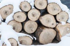Abstrakte hölzerne Linien und Beschaffenheiten im Winter Lizenzfreie Stockfotos